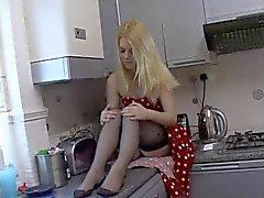 Gebleichte british Blonde Schlacke Vikki