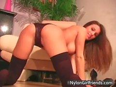 Andie Valentino - Junge sexy Andies spielt