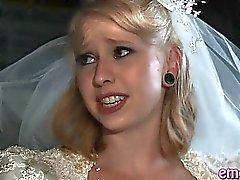 Novia de rubia follan anal del por un chico negro antes de su boda