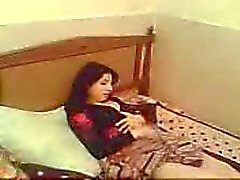 turkiska hanrej dela fru med medarbetare