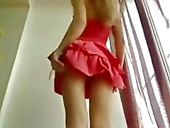 Hot Skinny Teen In kurzen Kleid Stripdance - Sunporno Unzensiert