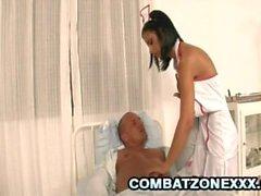 Angelica Negro: Enfermera Euro Busty Tener Sexo Con El Paciente