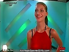 Sweet magere Duitse babe krijgt warm dik