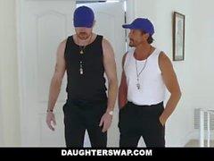 DaughterSwap - Córnea Tenis muchachas montan stepdads Gallo