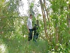 Onze eerste doordringende in het bos