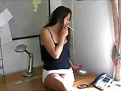 Hete Brunette Roken 120s en Spelen