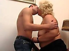 Di grassi nonna russo
