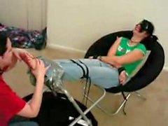 della tortura i piedi leccare di lesbiche