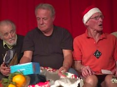 Old Young Orgy 9 Old Men 2 Teens hardcore Christmas group cazzo speciale