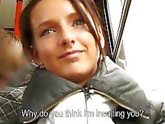 Skinny Tsjechische meisje kut geneukt voor geld