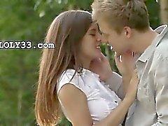 Eerste liefde tussen verliefd liefhebbers