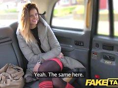 Falso Taxi alto morena largo sexo anal sexo facial