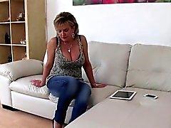 Infiel británico Gill madura Ellis presenta su enorme titti
