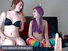 adolescente joven lesbiana niña-juguete-chica amateur