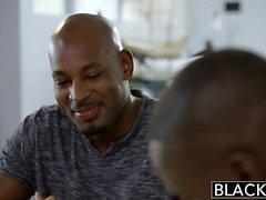 Oscurati assistente personale Shawna Lenee ama gli uomini neri