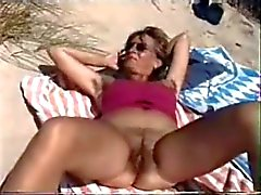 Hårig på stranden