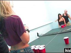 Brooke Banner и ее друг тренируют