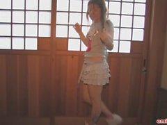 Emily 18 Suuri Niistä kammata