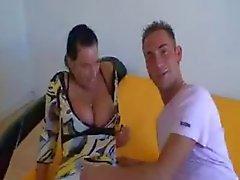 Bystig sjuksköterska att fuska i hennes boyfriend