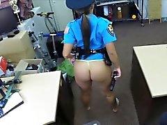 Di Latina di polizia ottiene il suo pussy fottere da pedina guy