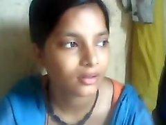 DES BALLOTS du jeune pakistanaise est aspirées par de BF