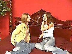 Lesbian Sex Virvlande Kisses