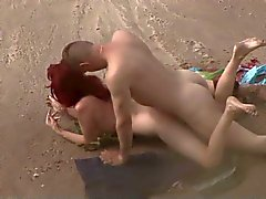 Leia Sexo Head On The Beach