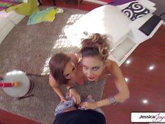 Abigail Mac y Jessica Jaymes se follan en muchas posiciones