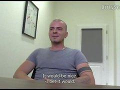 entrevista câmera twink lançando enorme boquete bonito homossexual amador pov