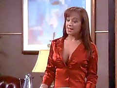 Leah Remini sexy borsten