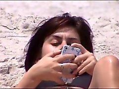quick beach crotch shot 22 - 23,, good pink cameltoe