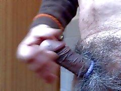 Japanse oude man masturbatie penis in erectie