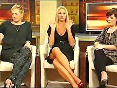 Sonya Kraus - zeigt Heels und Bein