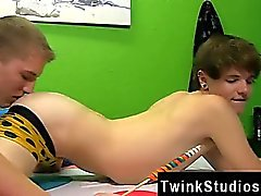 Twinks XXX Timo Garrett güzel bir re banyo hogging