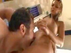 Ashlynn Brooke sendo fodida no chuveiro