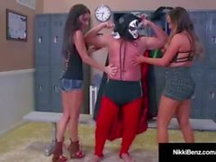 Nawty Nikki Benz & Jessica Jaymes blir knullad av en brottare!