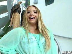 Bedövande vacker Alyssa Bransch Nudist