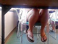 Искренний колледж Место Компьютерная лаборатория - Апрель Feet и Ноги четыре