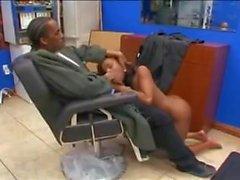 Questo non è il Barber Shop XXX