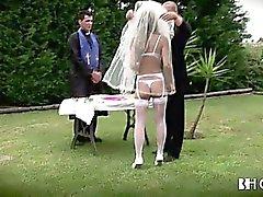 Stora tuttar portugisiska bruden knullas hård