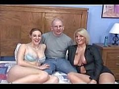 Mejor folla de ama de casa en 3some