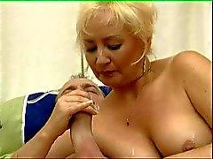 Äldre kvinna Have Fun 03 BoB