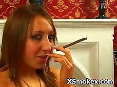 Kinky Hoer Seducively Pervert Roken