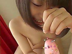 Schattig Japans meisje sticking in nep pik
