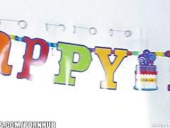 Big tetta suocera Diamanti Foxxx riceve tre maschile di gang bang in compleanno di