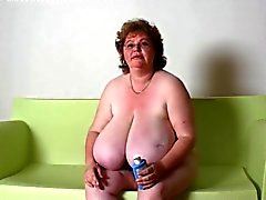 BBW Granny Massage enorme tieten