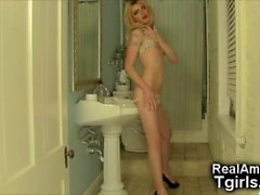 Femboy GF Teasing in the Toilets!