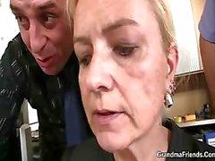 блондинка минет сперма