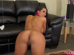 Afoso Brianna Jordan mostra i suoi curva sublime e il suo dolce buchi