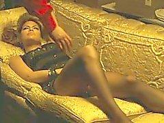 Eva Mendes bold scene